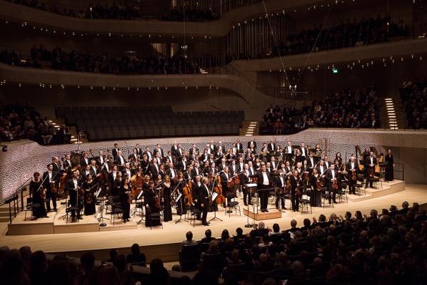 EPHH Gilbert Mahler3 NDR credit PeterHundert I NDR 2935